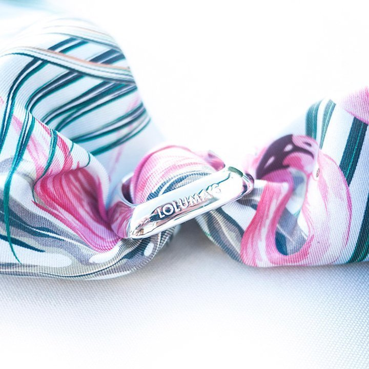 Lolumas scarf charm made in Stockholm Scandinavia from Westkusten jewelry