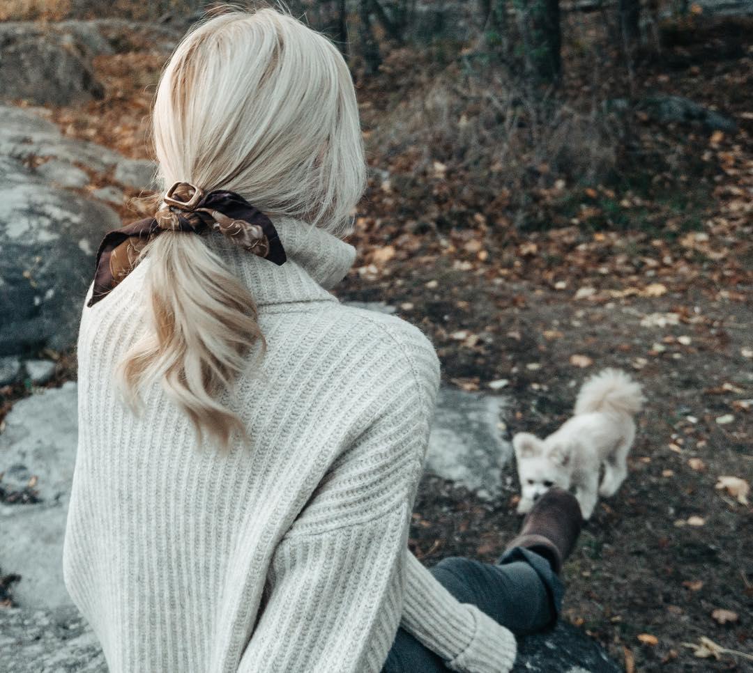 Scarves fashion sweden scandinavia cute dog out door women fashion